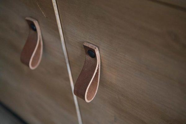 bakkerskast-fabryk-design-close-up-handvaten