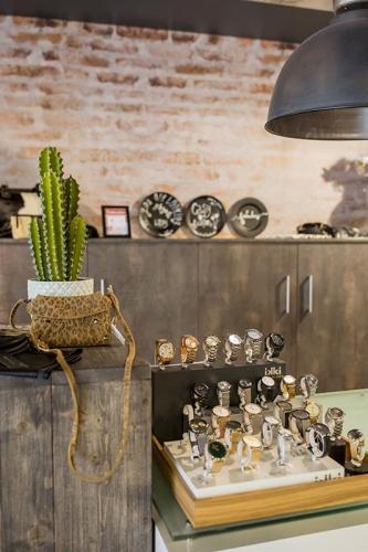 cactus-casey-fashion-fabryk-design-retail-styling-etalage-visual-merchandising