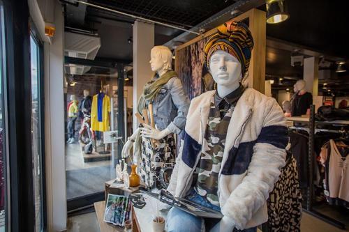 casey-fashion-mode-etalage-styling-fabryk-design